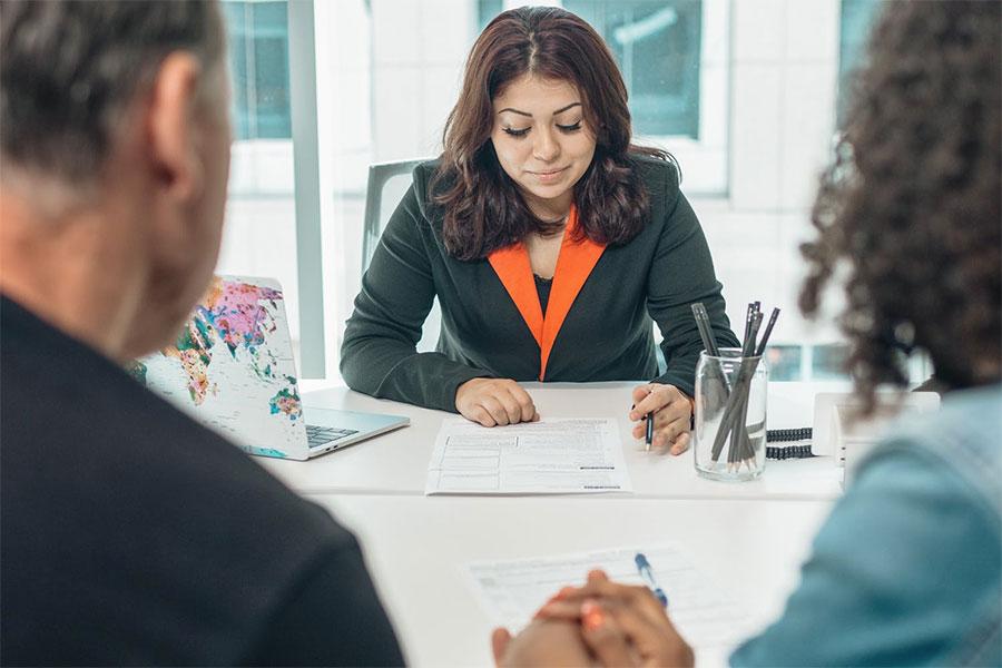 Rea Estate Lawyer Meeting